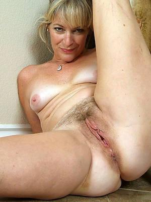 mature vaginas stripped
