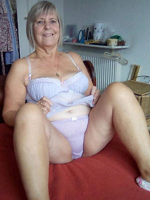 Naked sexy grannys