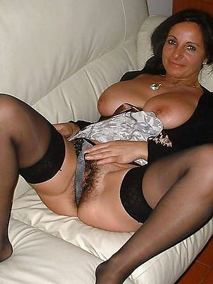 mature pussy in nylons posing nude