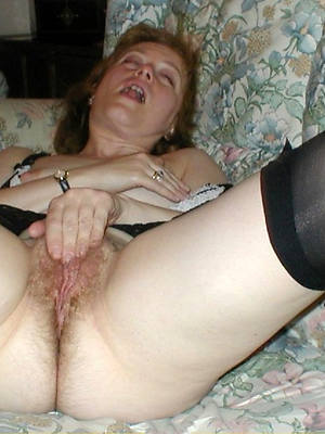 of age moms masturbating porn pic download