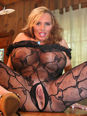 fantastic mature prexy mammy nude pics