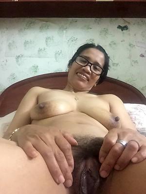 naked mature filipina Bohemian porn