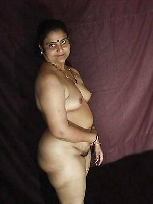mature indian woman posing nude