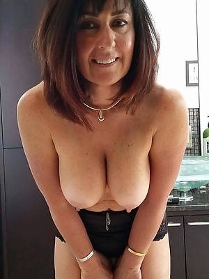 slutty beautiful mature breasts nude pictures
