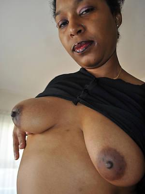 xxx matured ebony granny nude photos