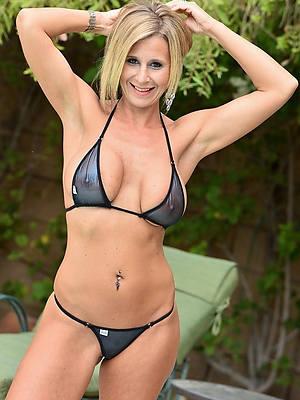 pornstar amateur mature women debilitating bikinis