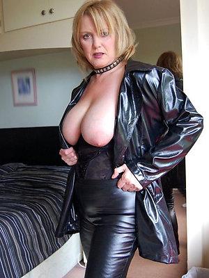 crazy hot nude mature women pics