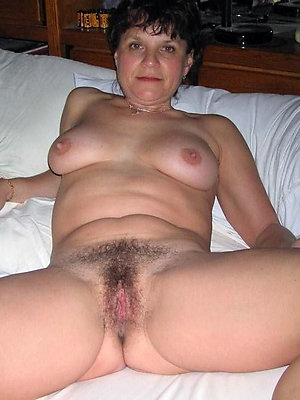 gorgeous hot naked mature women