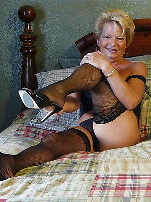 beauties mature women legs xxx