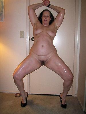 unconforming mature ladies legs