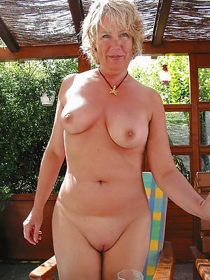 nude old landed gentry perfect body