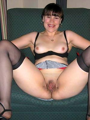 empty hot mature brunette stripped