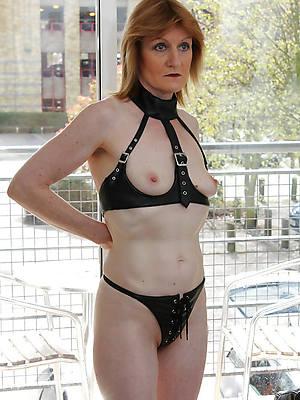 matured latex mistress stripped