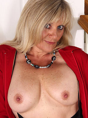 naked mature well done tits stripped