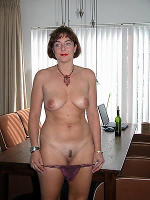 floppy tits mature floosie pictures