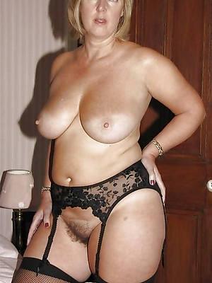hotties charming mature tits pics