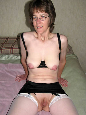 hotties mature with glasses sexy pics