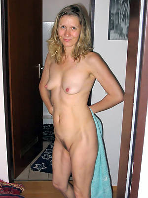 amateur adult small tits perfect body