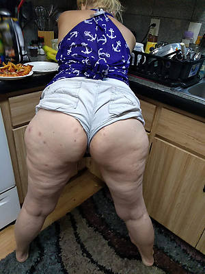 mature butts profane coition pics