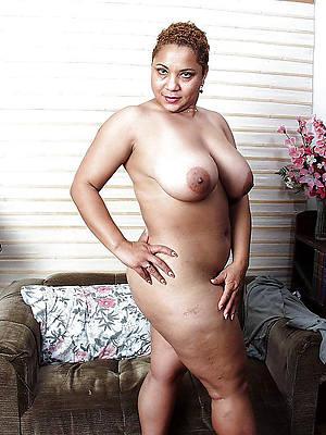 mature ebony mamas posing nude