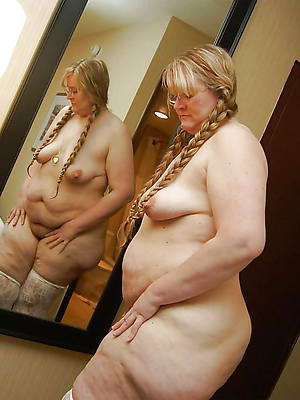 petite mature old woman nude photos