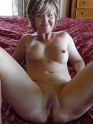 porn pics of downcast mature single women