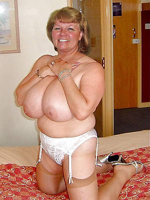 sexy hot heavy breasted mature women