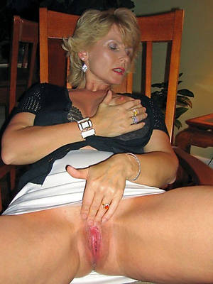 amateur mature masterbate slut pictures