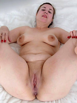 naught women with beautiful fingertips pics
