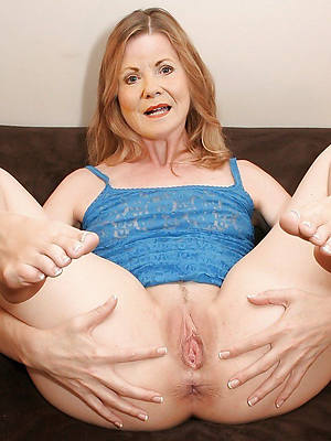 mature women with X-rated feet porn pics