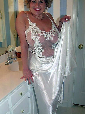 erotic photos mature women stripped