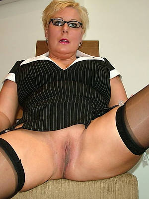 mature shaved milf stripped