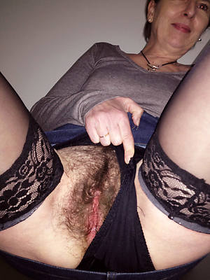 porn pics of hairy mature solo