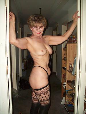 Lilliputian mature women campagna stockings