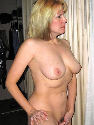 sexy hot mature mom unescorted
