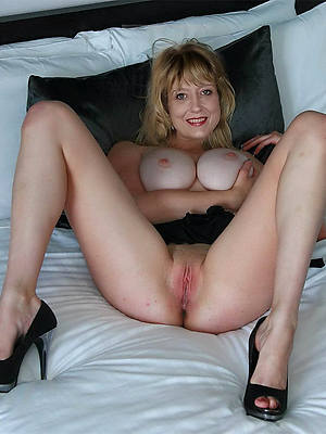 mature woman legs dirty sex pics