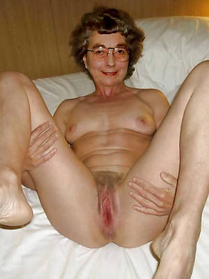 amateur mature hot grannies pics
