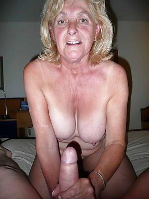 mature gives handjob nude porn pics