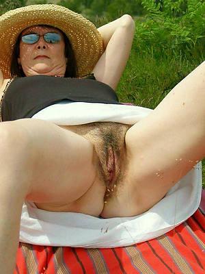 pornstar unprofessional senior women upskirt photos