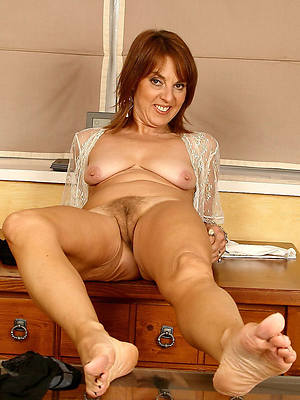 slutty mature legs and feet pics