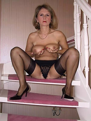 amateur grown up column in stocking perfect body