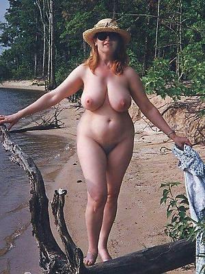 mature women exposed to beach authoritative body