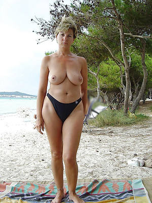 amateur mature women on beach pictures