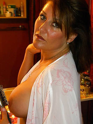unpretentious grown up brunettes jugs pics