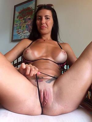 lay mature cunt slut pictures