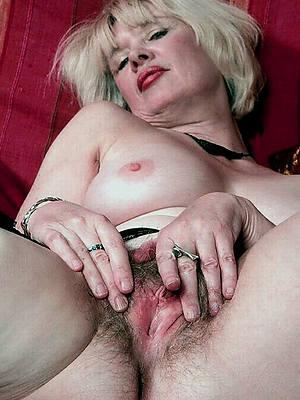 mature open cunt shorn pics