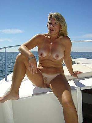 hotties amature nude mature pics