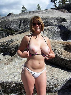 amateur mature bikini mere