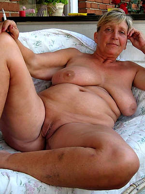 busty amatuer mature older pussy