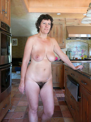 real mature nude women perfect body